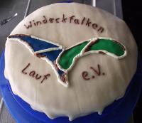 Ein ganz spezieller Kuchen beim Fliegerfest der Windeckfalken